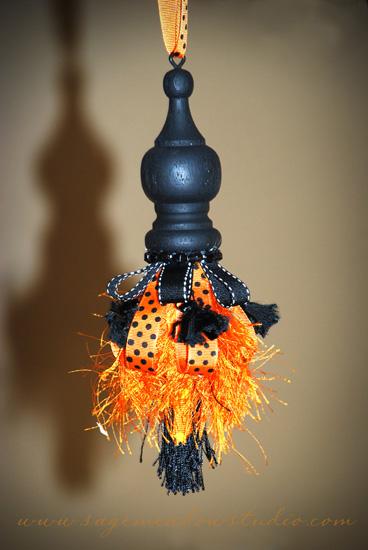 halloweentassel1
